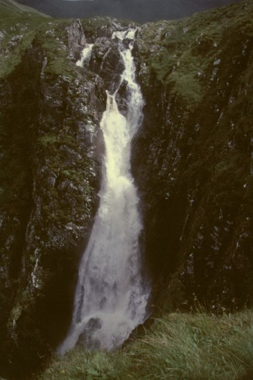 imm010_-_Falls_of_Glomach.JPG