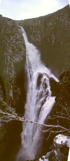 test_wasserfall_-_Falls_of_Glomach_3.JPG